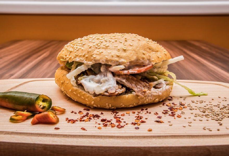 Imbiss Beste Döner Giesing in München mit leckeren Döner und verschiedene türkische Gerichte